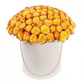 Желтые розы в шляпной коробке 35 штук