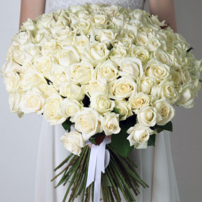 Букет белых роз Эквадор 101 штука 80 см