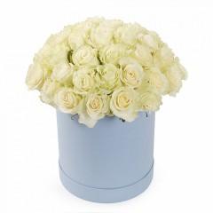 Розы в шляпных коробках