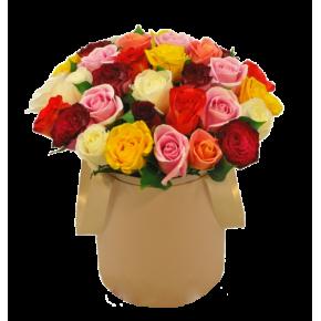 Микс роз в шляпной коробке 51 штука